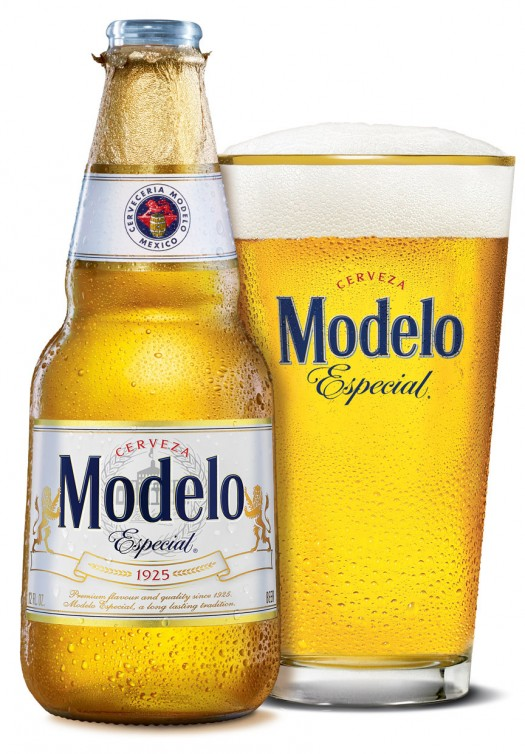 Modelo Especial_ Bottle with Glass