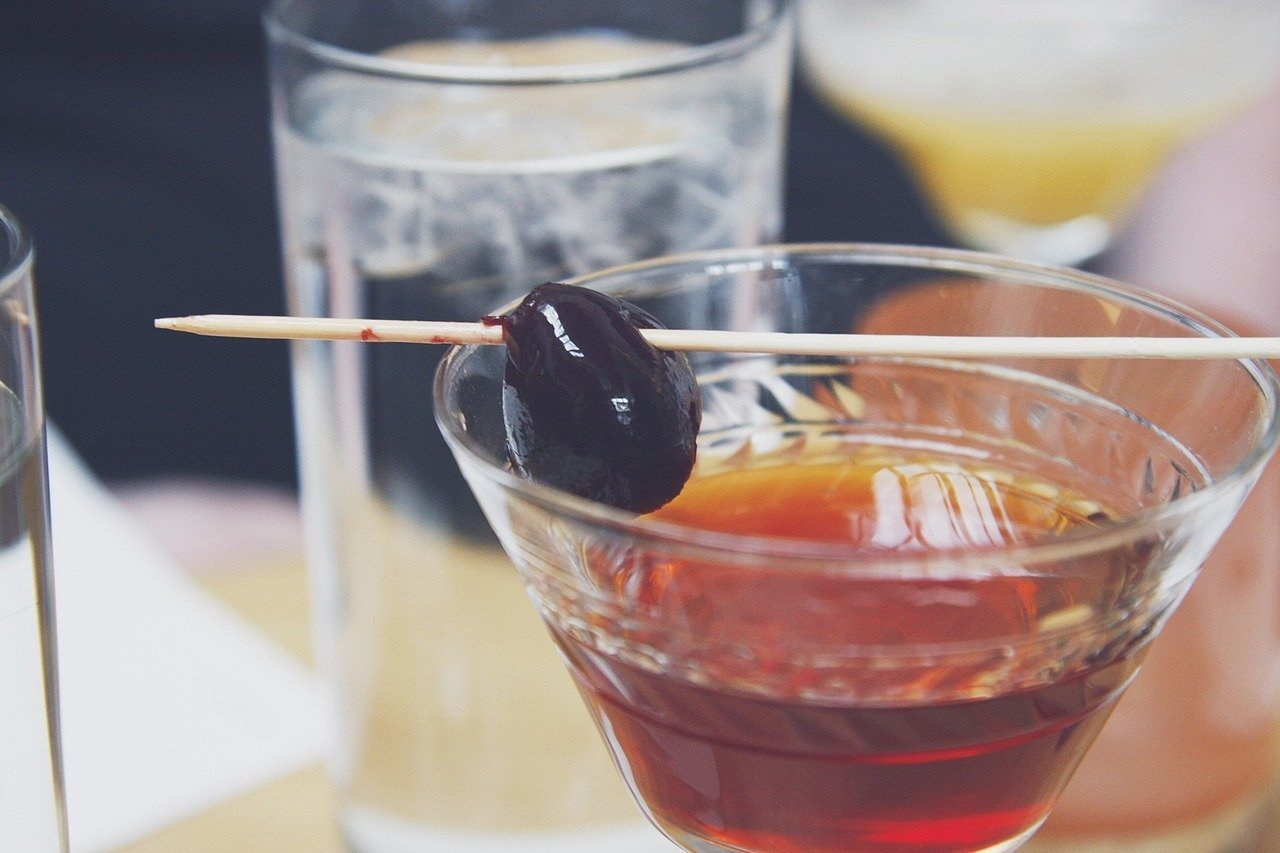 How to Make a Flawless Manhattan Cocktail